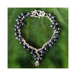 Handmade Pearl 'Blue Moon Rose' Bracelet (Thailand)