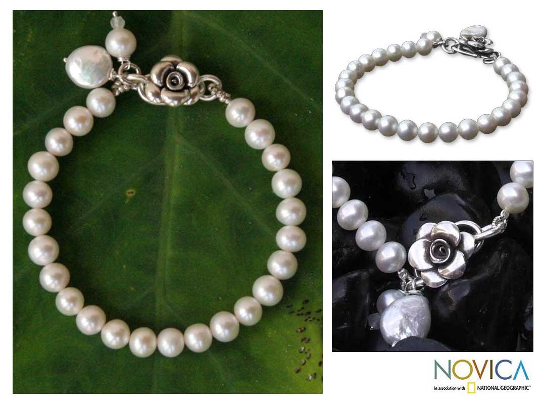 Handmade Pearl Ode to Friendship Freshwater Pendant Style Bracelet (Thailand)