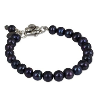 Ode to Friendship Round Black Pearl Strand with Labradorite and 925 Sterling Silver Rose Charms Womens Bead Bracelet (Thailand)