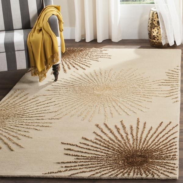 Safavieh Handmade Soho Burst Beige New Zealand Wool Rug (7'6 x 9'6)