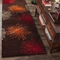 "Safavieh Handmade Soho Burst Brown New Zealand Wool Runner - 2'6"" x 12'"