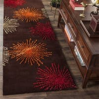 "Safavieh Handmade Soho Burst Brown New Zealand Wool Runner - 2'6"" x 10'"