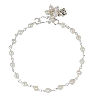 Handmade Sterling Silver 'White Rose Horizon' Pearl Bracelet (Thailand)
