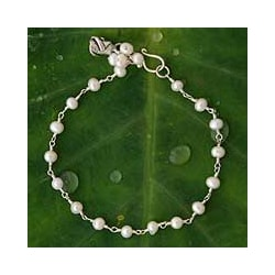 Silver 'White Rose Horizon' Pearl Bracelet (Thailand)