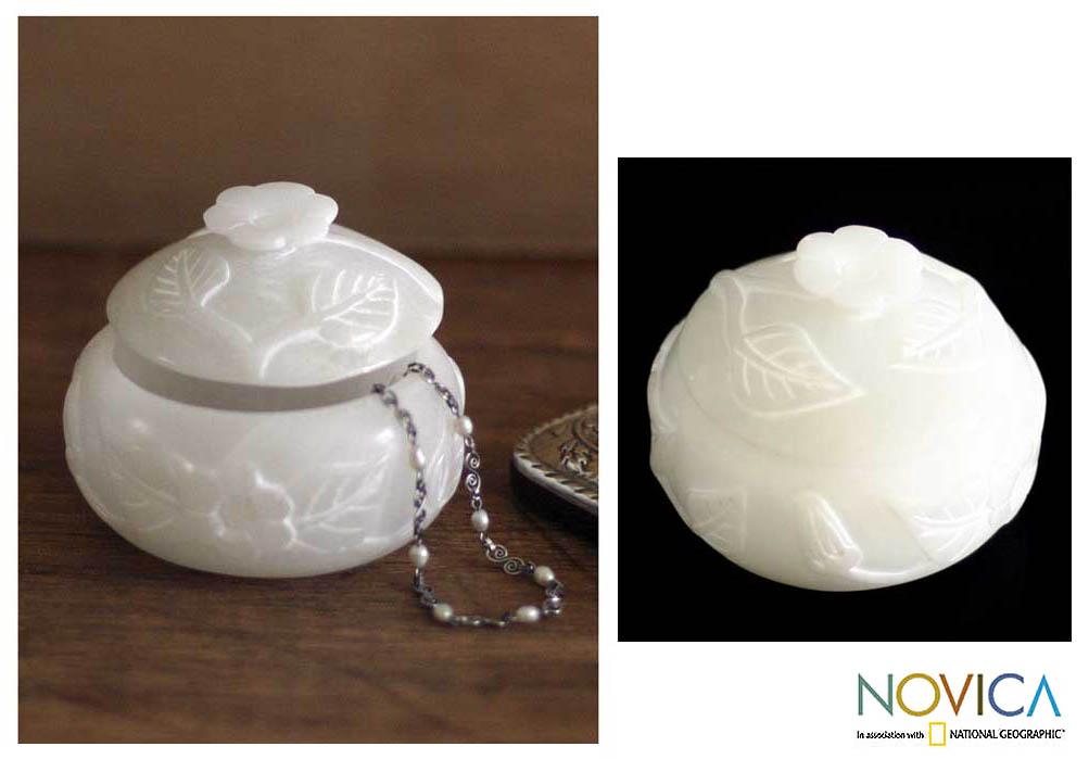 Handmade 'White Garden' Stone Jewelry Box (Peru)