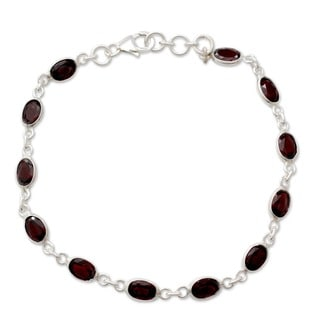 Sterling Silver Garnet 'Romantic Red' Bracelet (India)