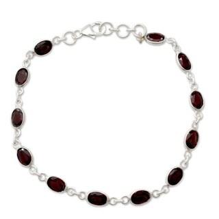 Handmade Sterling Silver Garnet 'Romantic Red' Bracelet (India)