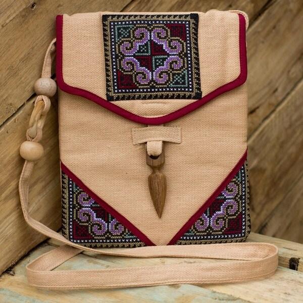 Handmade Hemp 'Miracle Red' Shoulder Bag (Thailand)