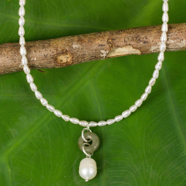 Handmade Pearl and Jade 'Lucky Cycle' Choker (Thailand)