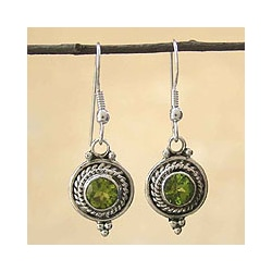 Sterling Silver Peridot 'Lemon Drops' Earrings (India)