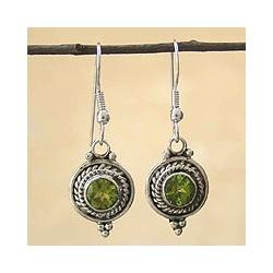 Sterling Silver Peridot 'Lemon Drops' Earrings (India)