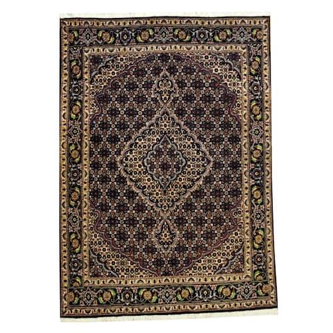 Handmade Tabriz Wool Rug (Iran) - 5' x 7'