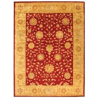 Safavieh Handmade Heritage Traditional Kashan Burgundy/ Beige Wool Rug (6' x 9')