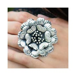 Handmade Sterling Silver 'Queen Zinnia' Ring (Thailand)