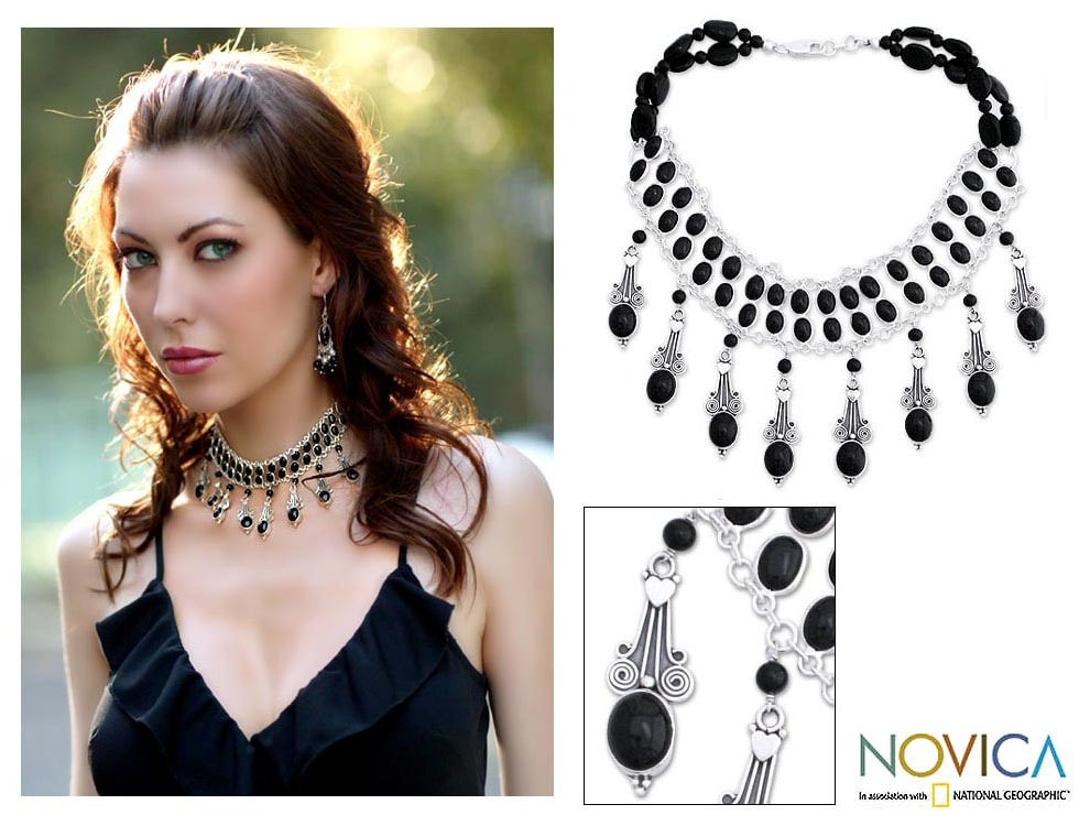 Handmade Sterling Silver 'Black Lotus' Onyx Choker (India)