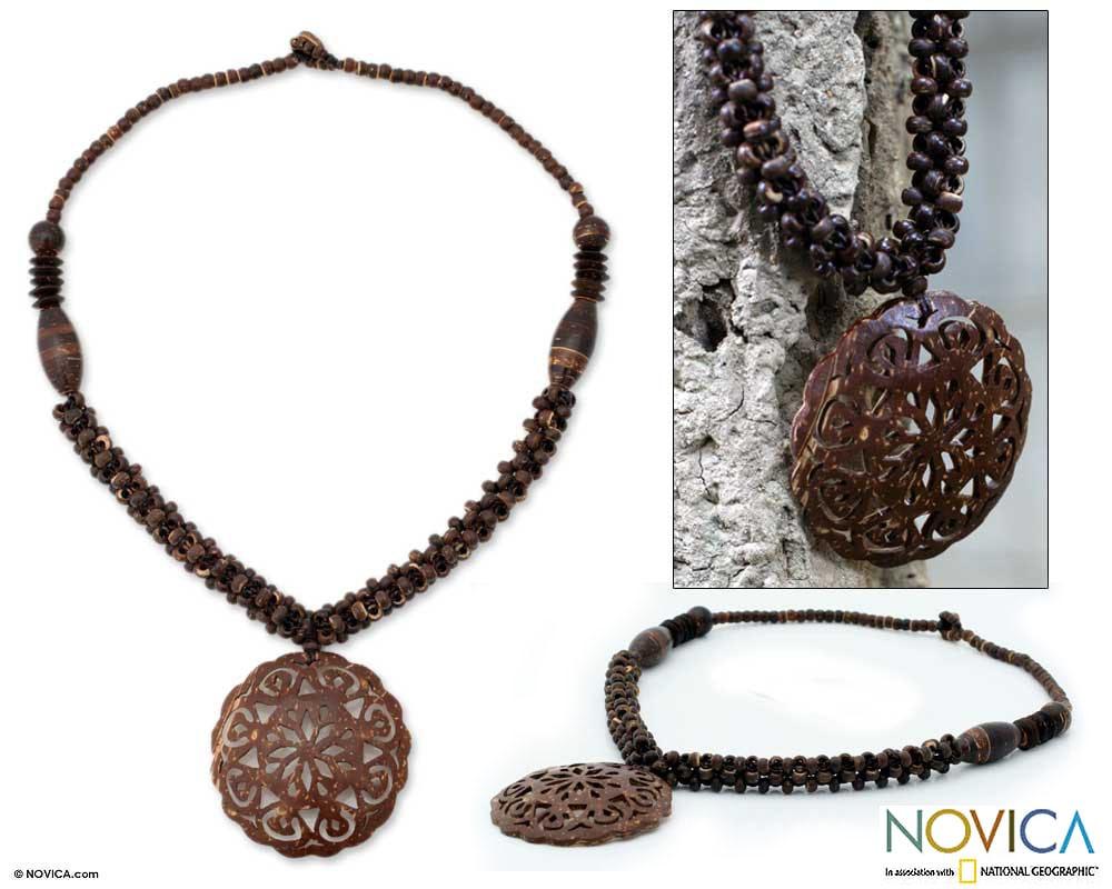 Handmade Coconut Shell 'Floral Medallion' Necklace (Thailand)