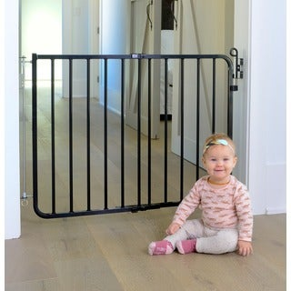 Cardinal Gates Auto-lock Safety Gate