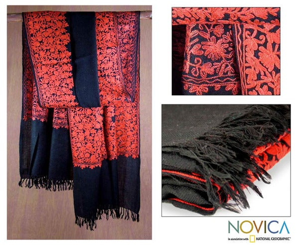 Handmade Wool 'Black Floral Drama' Shawl (India)