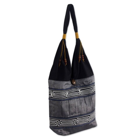 Handmade Music White Lines Band a Black and Gray Cotton and Silk Lined Zip Pocket Button Closure Womens Hobo (Thailand)