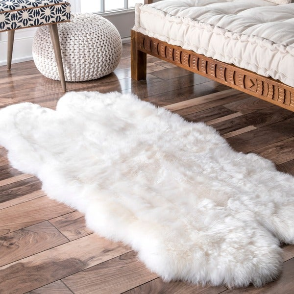 Shop Nuloom Alexa Quatro White Sheepskin Wool Four Pelt