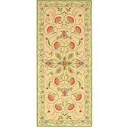 Safavieh Hand-hooked Bedford Beige/ Green Wool Runner (2' 6 x 6')