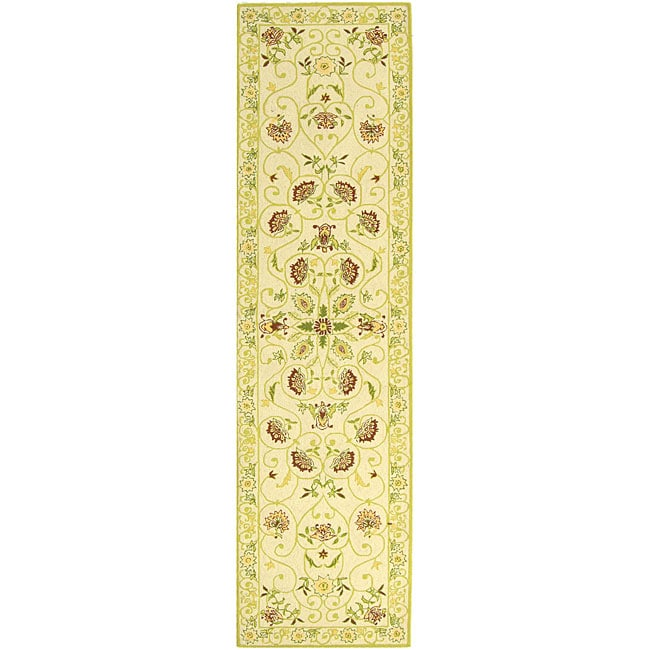 "Safavieh Hand-hooked Bedford Ivory/ Green Wool Runner Rug - 2'6"" x 10'"
