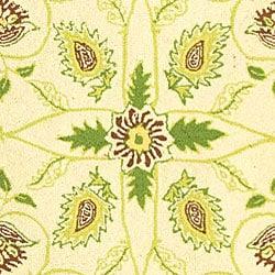 Safavieh Hand-hooked Bedford Ivory/ Green Wool Rug (7'9 x 9'9) - Thumbnail 1
