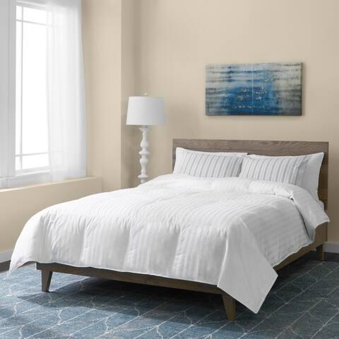 Hotel Grand Oversized 500 Thread Count Medium Warmth Siberian White Down Comforter