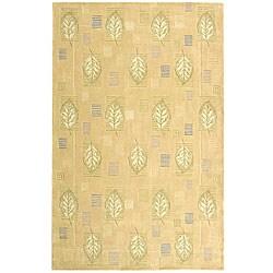 Safavieh Handmade Foliage Beige Wool Rug (5'3 x 8'3)