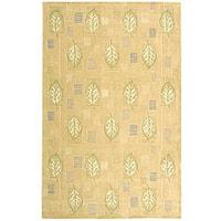 Safavieh Handmade Foliage Beige Wool Rug - 5'3 x 8'3