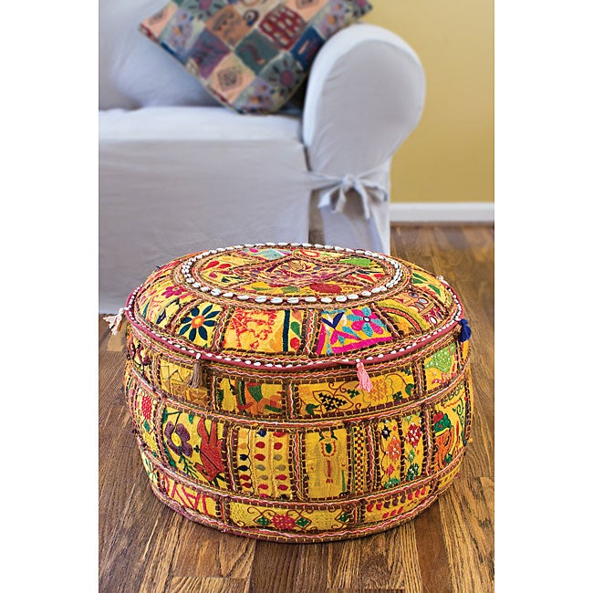 Artist's Loom Traditional Indian Pouf (24x24) (Set of 2) - Thumbnail 0