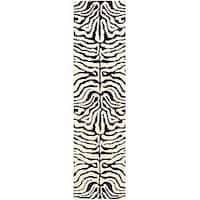 """Safavieh Handmade Soho Zebra Ivory/ Black N. Z. Wool Runner (2'6 x 14') - 2'6"""" x 14'"""