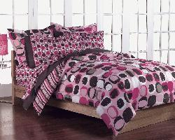Opus Pink 7-Piece Queen-size Bed in a Bag with Sheet Set