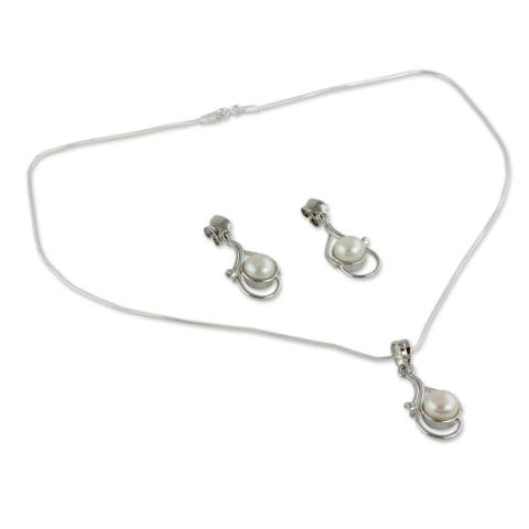 Lunar Magic Oval White Pearls in Rhodium Plated 925 Sterling Silver Pendant Necklace and Earrings Wo