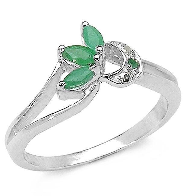 Malaika Sterling Silver Genuine Emerald Ring (Size 7)