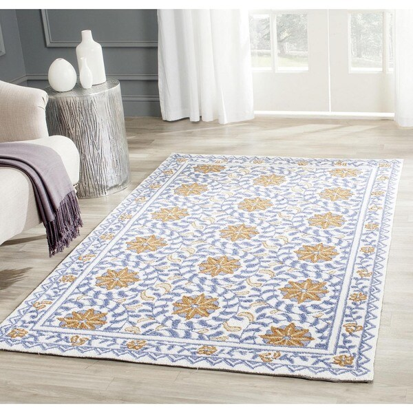 Safavieh Hand-hooked Majestic Ivory/ Blue Wool Rug (3'9 x 5'9)