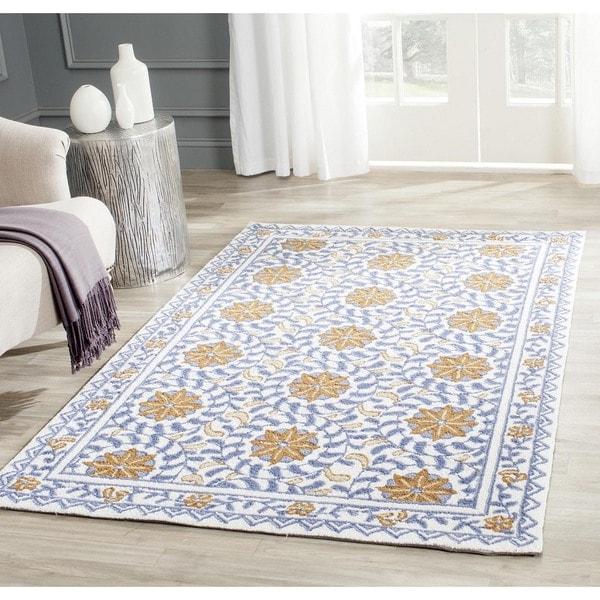 Safavieh Hand-hooked Majestic Ivory/ Blue Wool Rug - 3'9 x 5'9