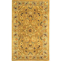 Safavieh Handmade Classic Heirloom Beige Wool Rug (4' x 6')