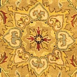 Safavieh Handmade Classic Heirloom Beige Wool Rug (4'6 x 6'6 Oval) - Thumbnail 1