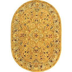Safavieh Handmade Classic Heirloom Beige Wool Rug (4'6 x 6'6 Oval)