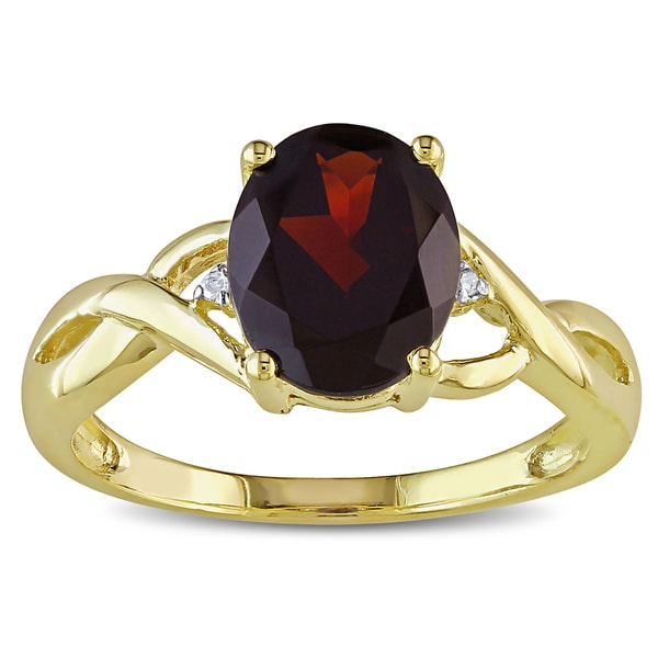 Miadora Women's 10-karat Yellow-gold Deep-red Garnet Diamond Ring