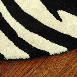 Safavieh Handmade Soho Zebra Wave White/ Black N. Z. Wool Rug (6' Round) - Thumbnail 2