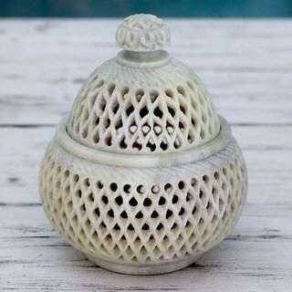 Handmade Soapstone 'Lattice Lace' Medium Jar (India)