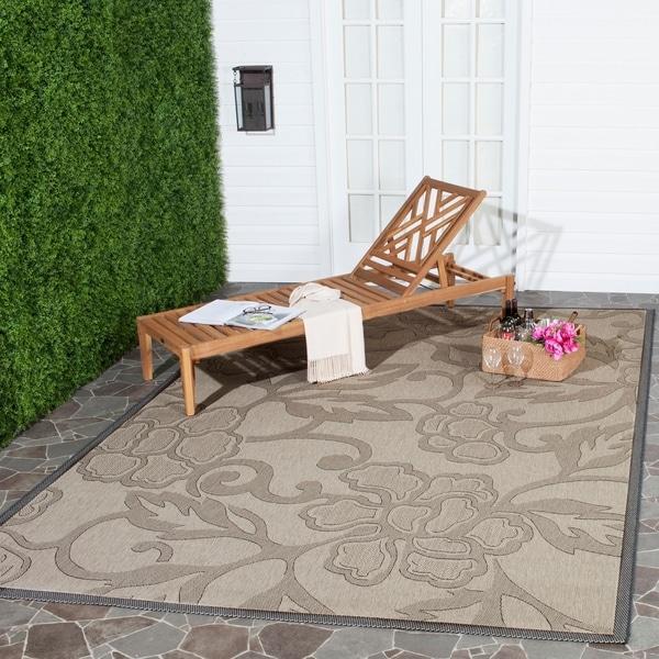 Safavieh Aruba Sand/ Black Indoor/ Outdoor Rug - 8' x 11'
