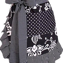 Women's Sassy Black Original Flirty Apron - Thumbnail 2