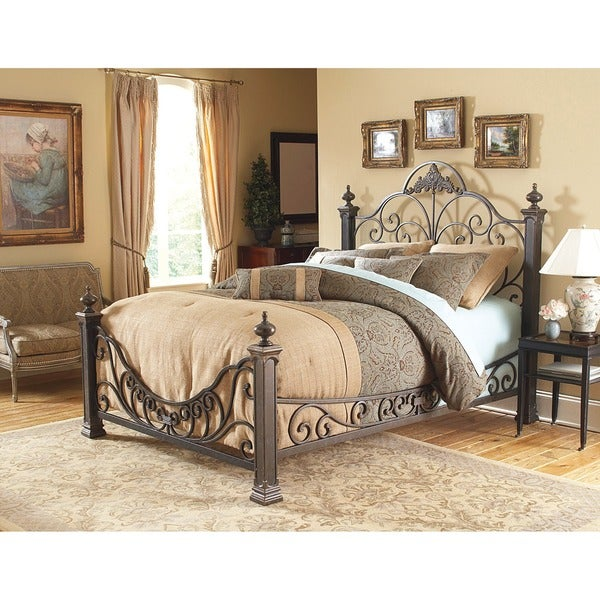 Baroque Style Queen-size Metal Bed