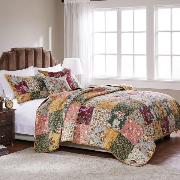 Greenland Home Antique Chic 5-piece Oversized Cotton Quilt Set. Opens flyout.