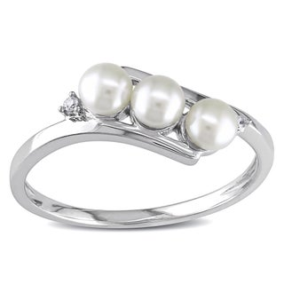 Miadora 10k White Gold Cultured Freshwater Pearl and Diamond Accent Ring (3 mm) (More options available)