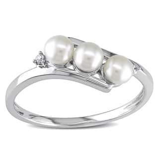 Miadora 10k White Gold Cultured Freshwater Pearl and Diamond Accent Ring (3 mm)|https://ak1.ostkcdn.com/images/products/3937623/Miadora-10k-White-Gold-FW-Pearl-and-Diamond-Ring-3-mm-P11976040.jpg?impolicy=medium