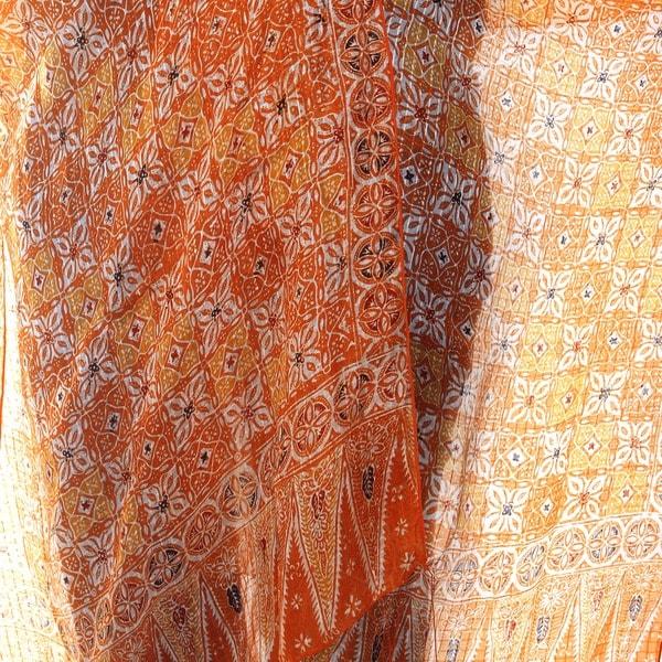 Handmade Silk 'Ginger Jasmine' Batik Shawl (Indonesia)